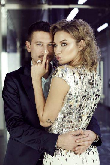 Дмитрий Ступка и Полина Логунова в обнимку