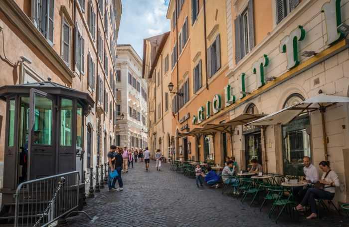 Известная кондитерская Giolitti, Рим
