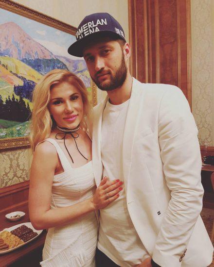 Тамерлан и Алена в белой одежде