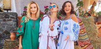 Три девушки в платьях -вышиванках