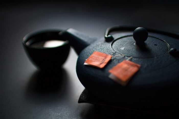 чай заваривается