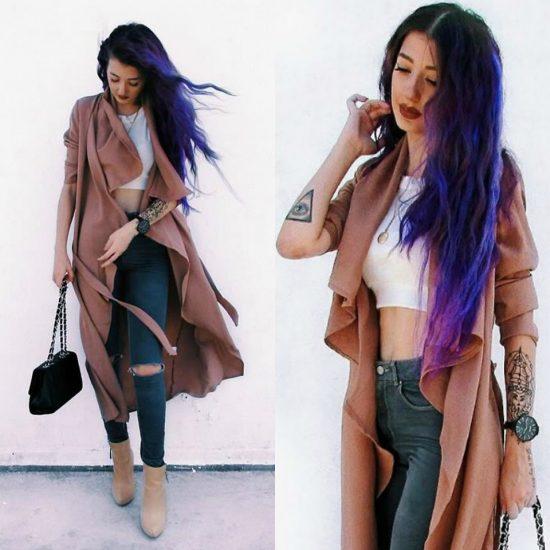 девушка с цветными волосами в тренче