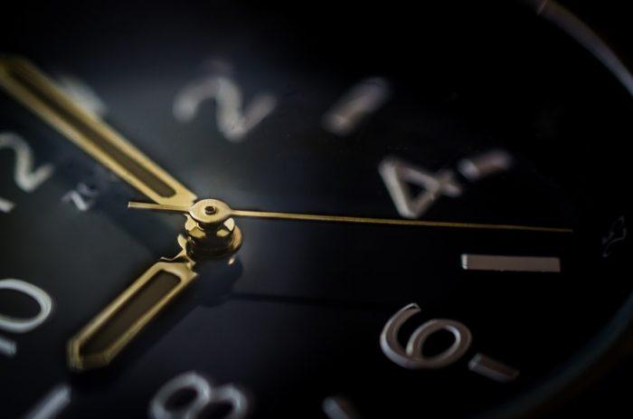 прокрастинация - циферблат часов
