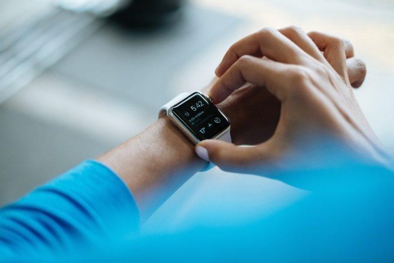 Переводим часы на зимнее время: как это сделать без стресса для организма?