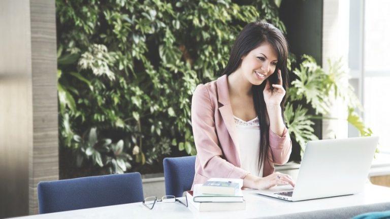 Физкультура в офисе: как провести разминку посреди рабочего дня?