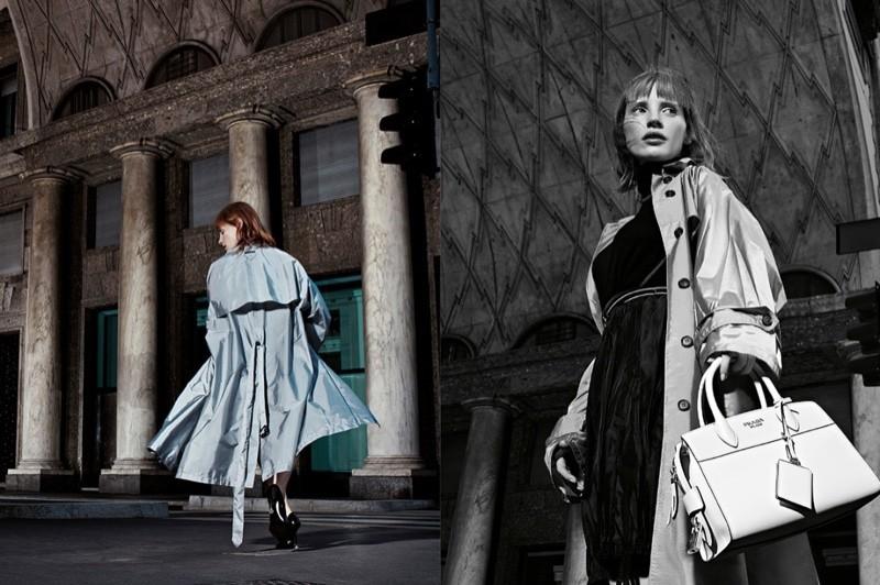 модель в голубом тренче Prada 2016