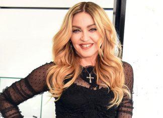 Мадонна удочерила двоих девочек из Малави