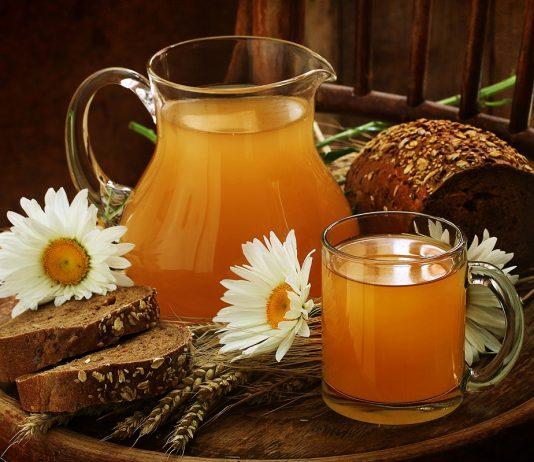 5 напитков, которые утолят жажду в жару