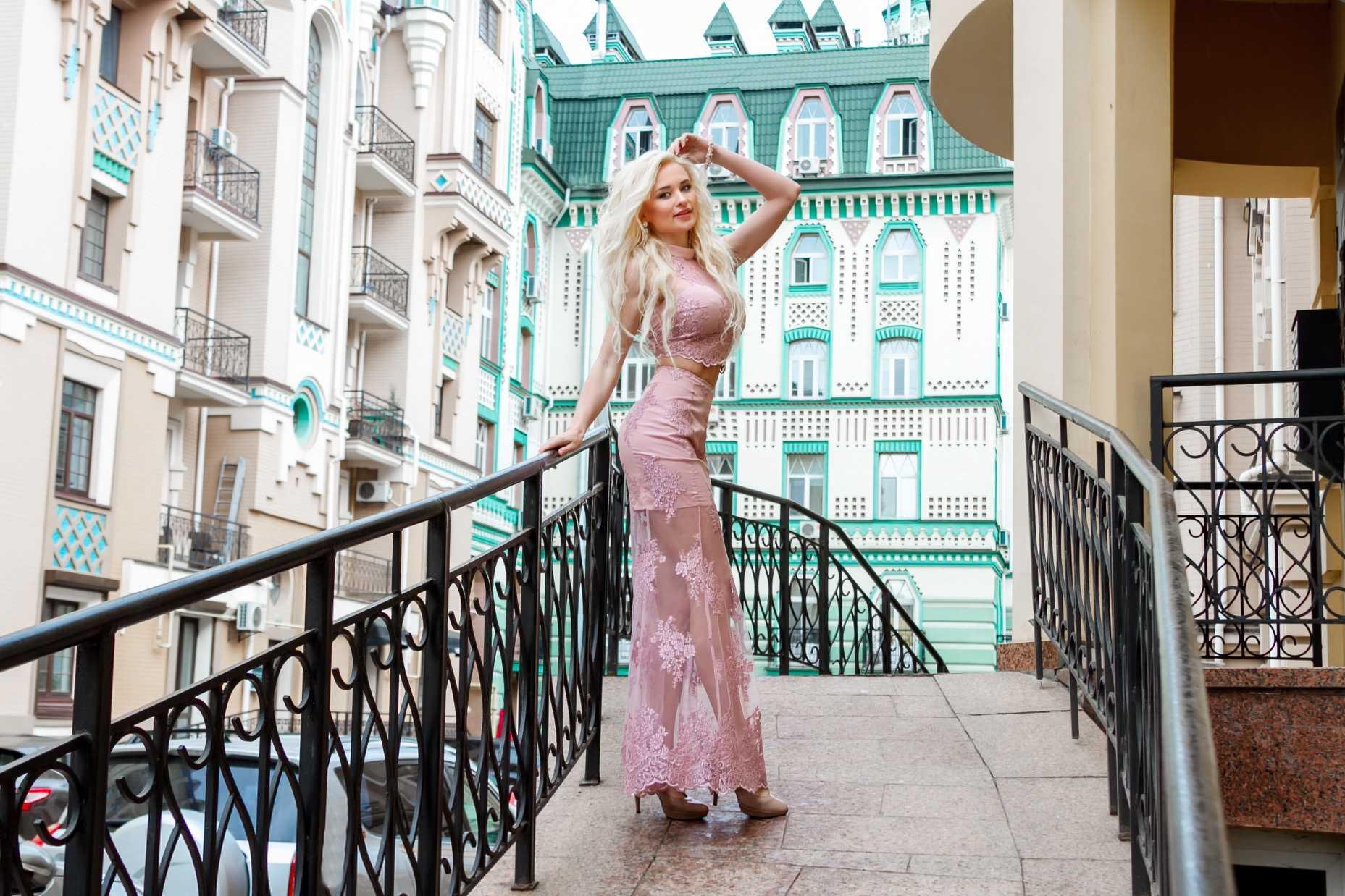 украинская певица ANGELA 3