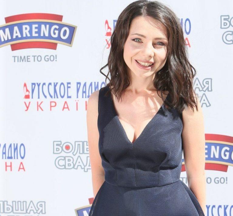 M1 Music Awards. 4 Seasons: певица Наталья Гордиенко получила орден от канала М1