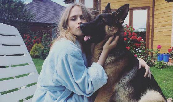 Анна Кошмал и пес Фред