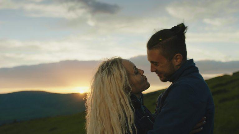 Alyosha снялась с мужем в клипе «Лови момент» группы Антитела