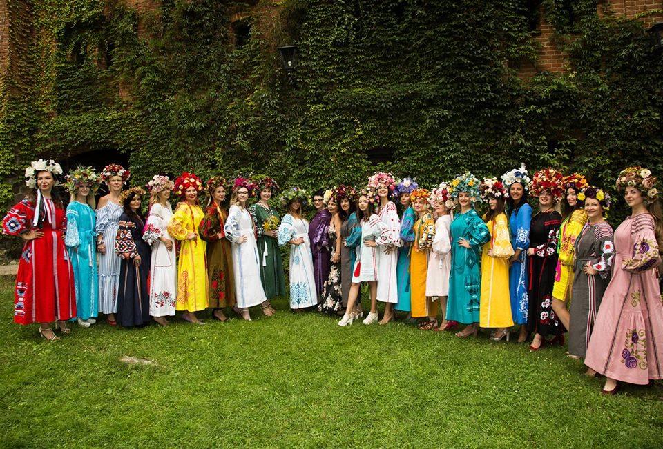 Етнофешншоу Аристократична Україна LuckyUkraine 5