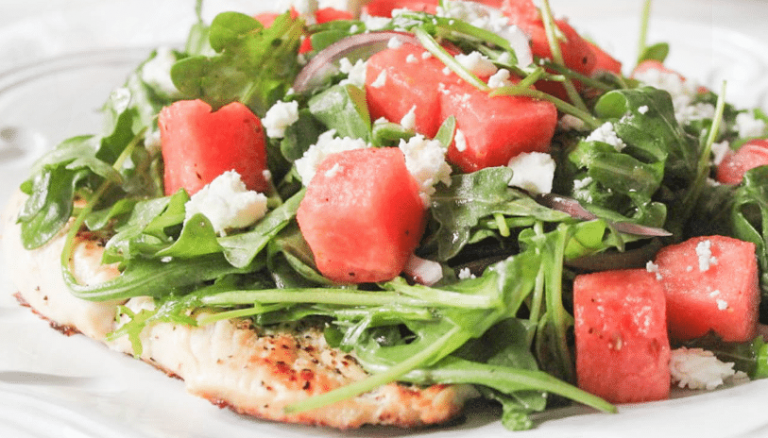 3 рецепта салатов с арбузом