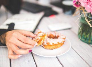 Чего не хватает организму, если хочется сладкого, соленого или кислого