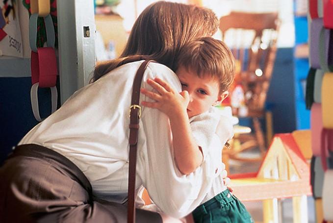 профилактика, как родителям подготовить ребенка перед походом в первый раз в детский сад и школу, чтобы он с этим не столкнулся