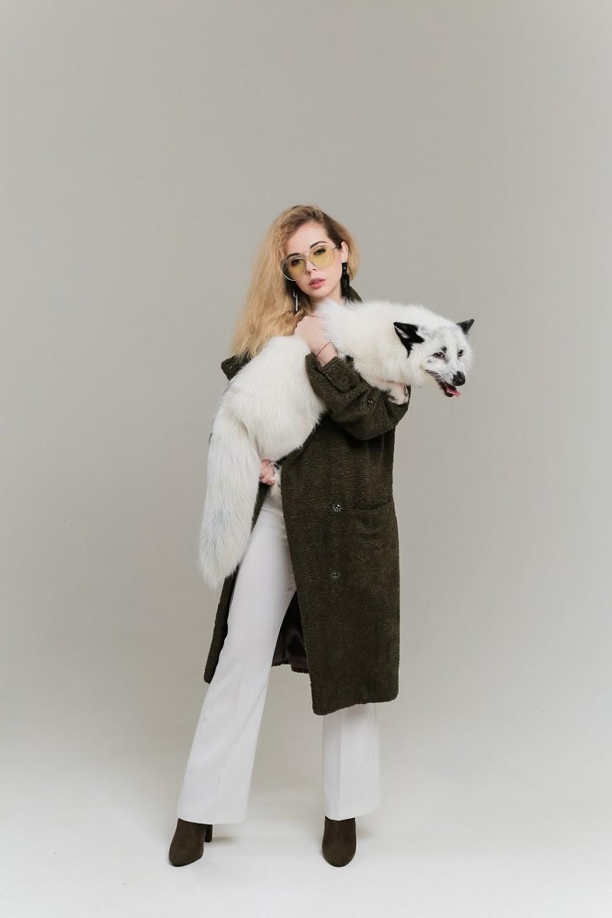 Искусственный мех в коллекции пальто SOLH 1