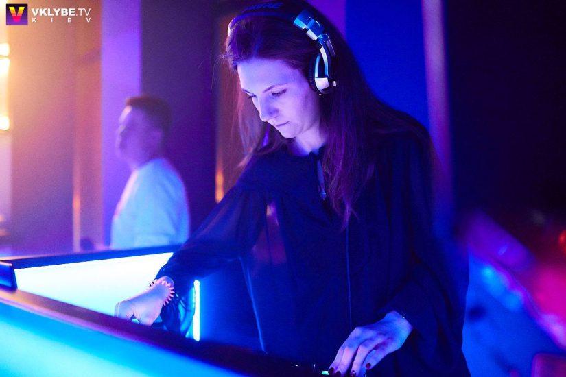 Ведущая радиостанции ХІТ FM Симона Солодуха сыграла первый DJ-set 2