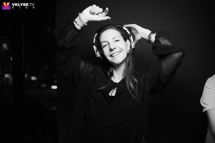 Ведущая радиостанции ХІТ FM Симона Солодуха сыграла первый DJ-set