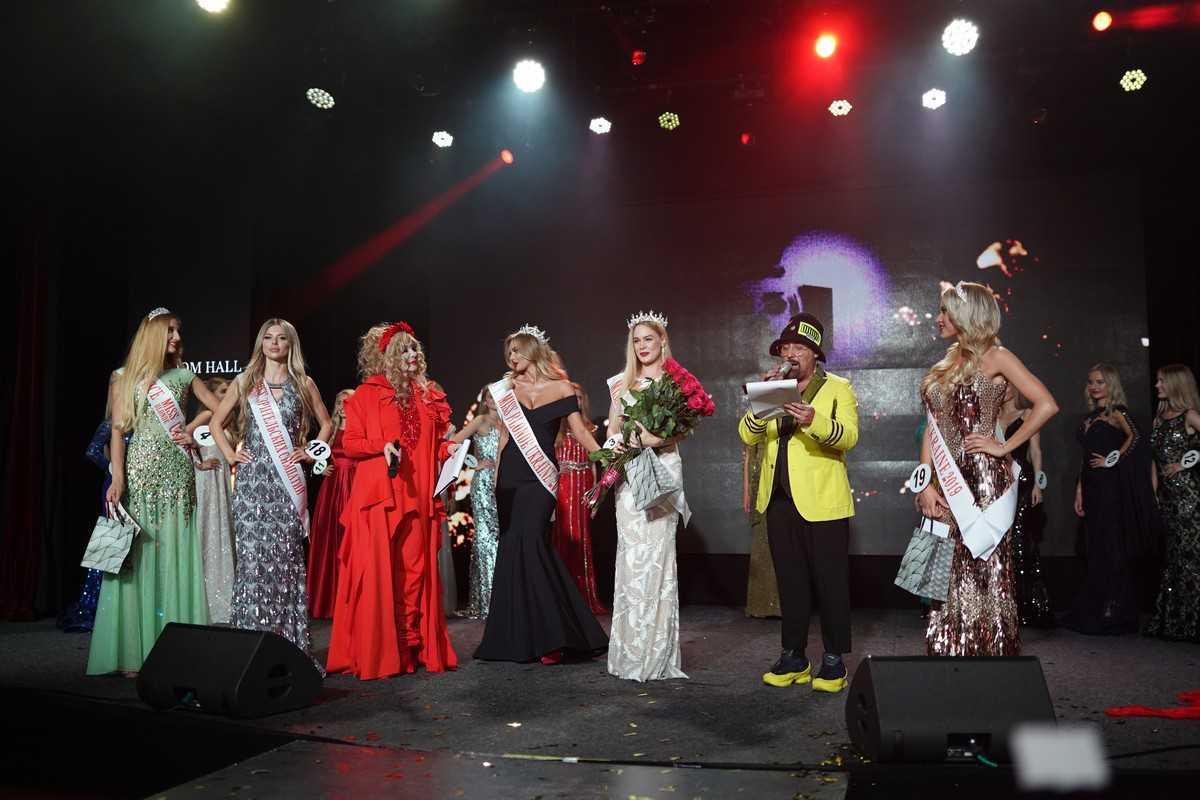 Дима Коляденко сделал предложение на конкурсе Miss Blonde Ukraine 2019 4