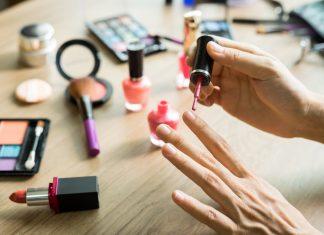 Какой оттенок подходит Вашим ногтям