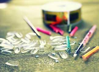 Накладные ногти в домашних условиях