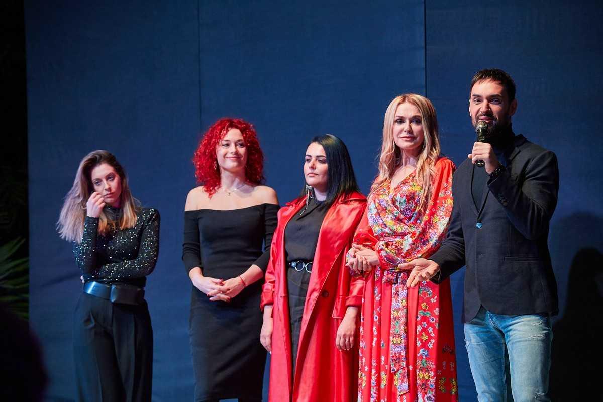 В Киеве презентовали календарь в поддержку бездомных животных 8
