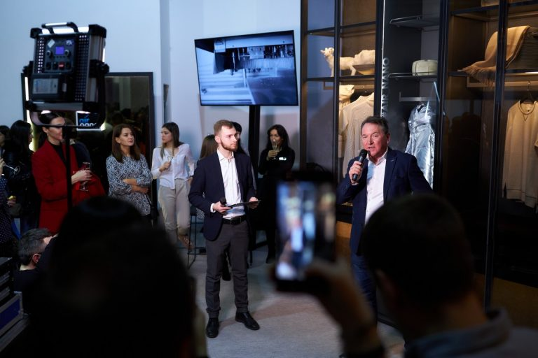 Сохраняя моду: ELIO представила инновационный гардероб AIR NANO в рамках Ukrainian Fashion Week
