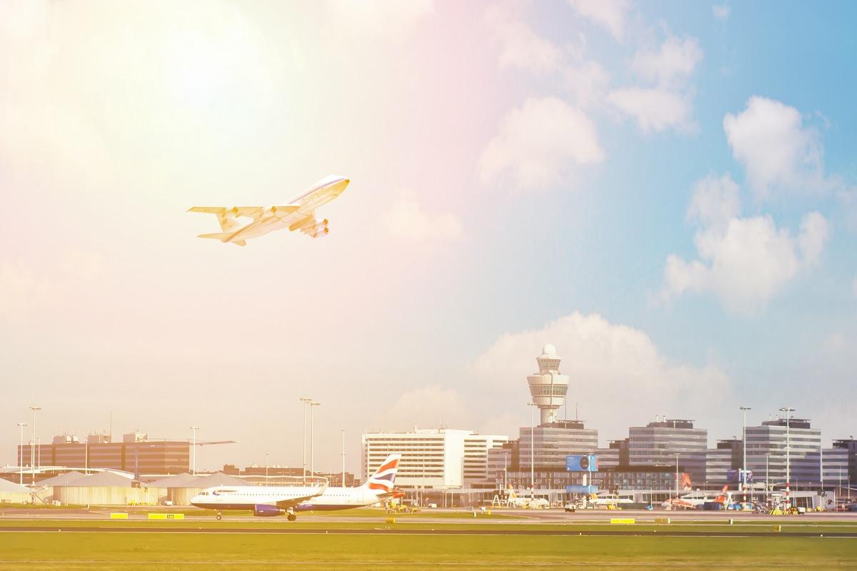 Аэропорт SCHIPHOL в Амстердаме (AMS)
