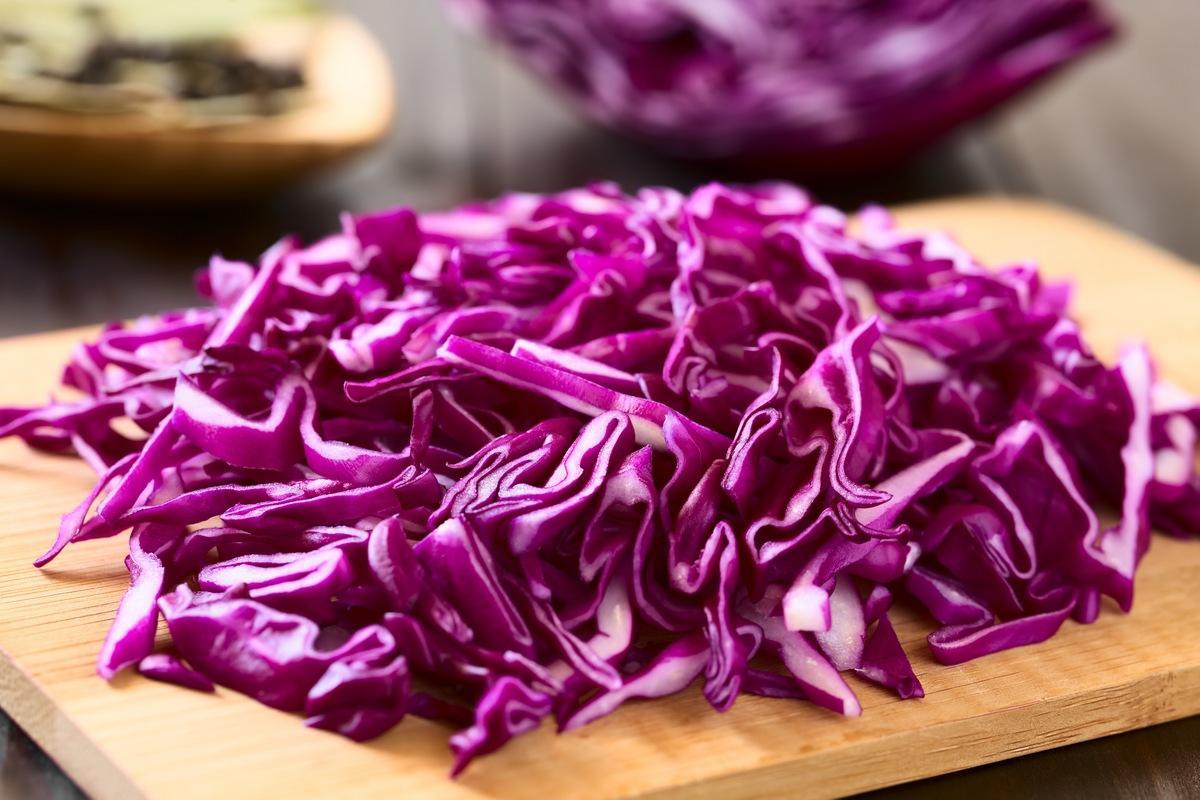 Rotes Sauerkraut mit Schweinefleisch