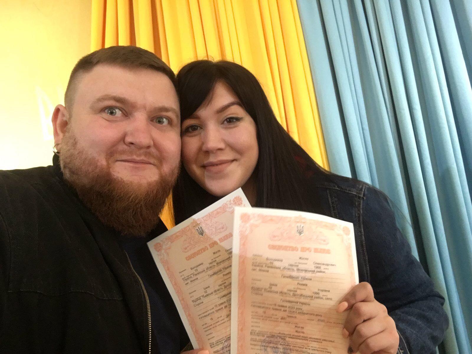 """Der Künstler der """"Var`yat-Show"""" Vladimir Zhoglo heiratete und enthüllte die Details der Hochzeit"""