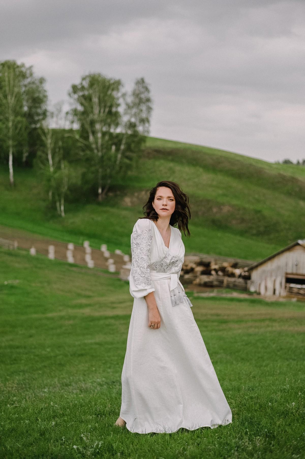 2KOLYORY представил новую коллекцию платьев вышиванок ZERNO 2