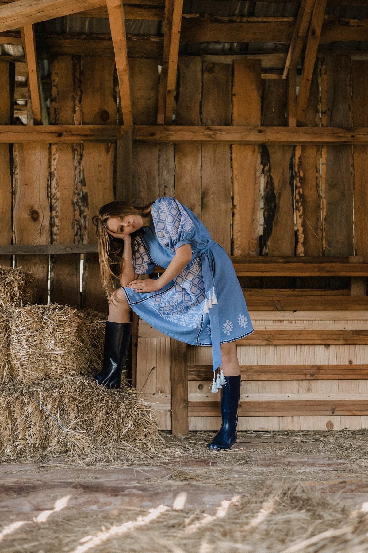2KOLYORY представил новую коллекцию платьев вышиванок ZERNO 3