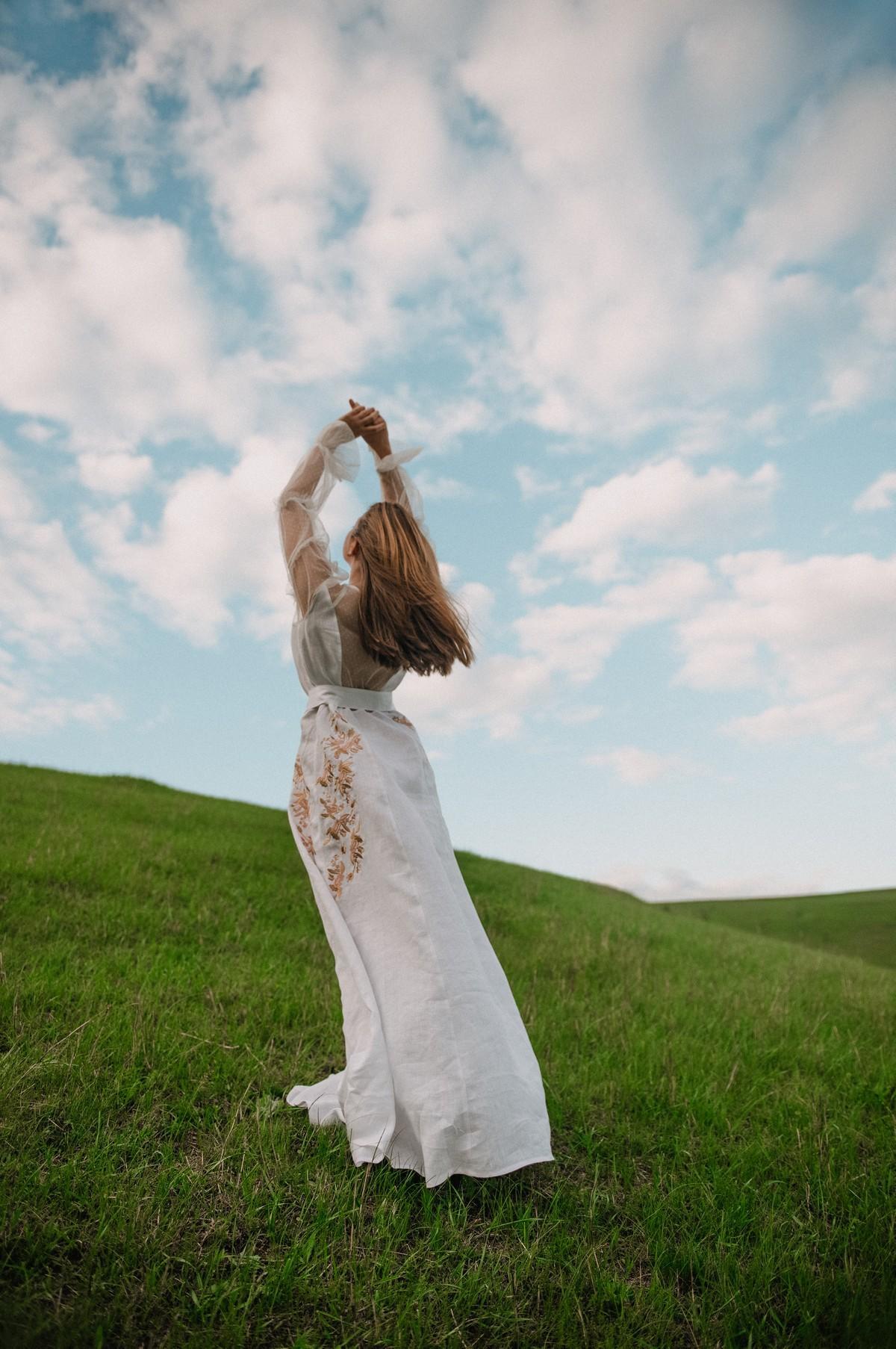 2KOLYORY представил новую коллекцию платьев вышиванок ZERNO 5