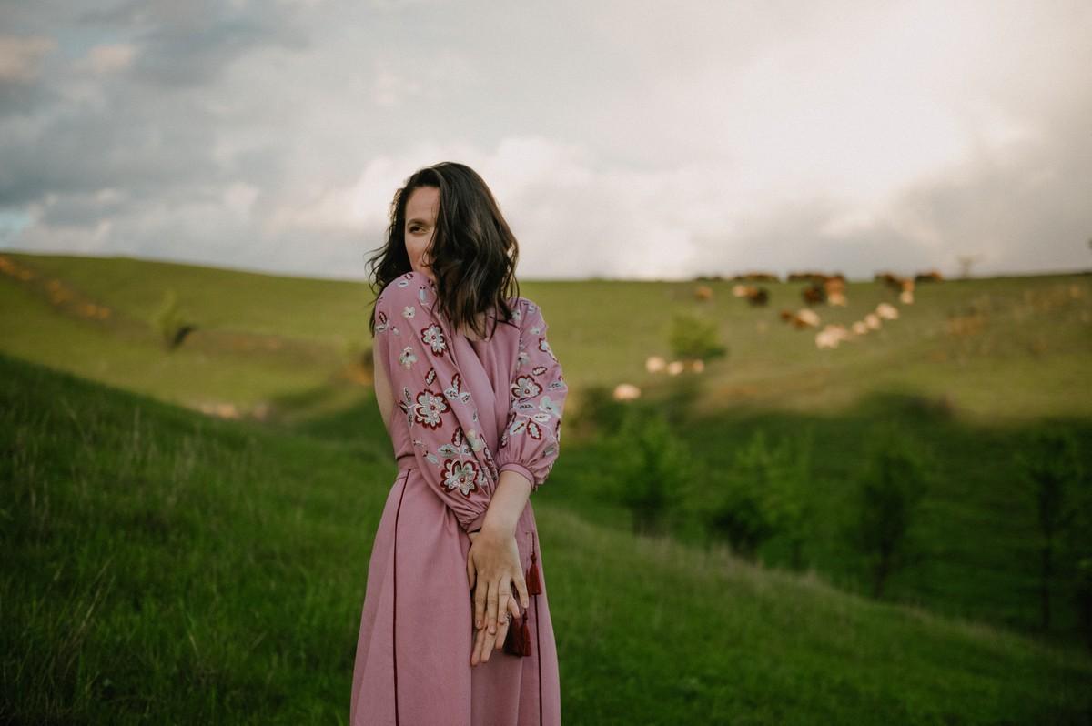 2KOLYORY представил новую коллекцию платьев вышиванок ZERNO 6