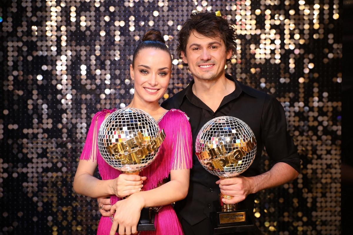 Переможці Ксенія Мішина та Женя Команда проекта Танцы со звездами работает над новым сезоном и ищет талантливых танцоров