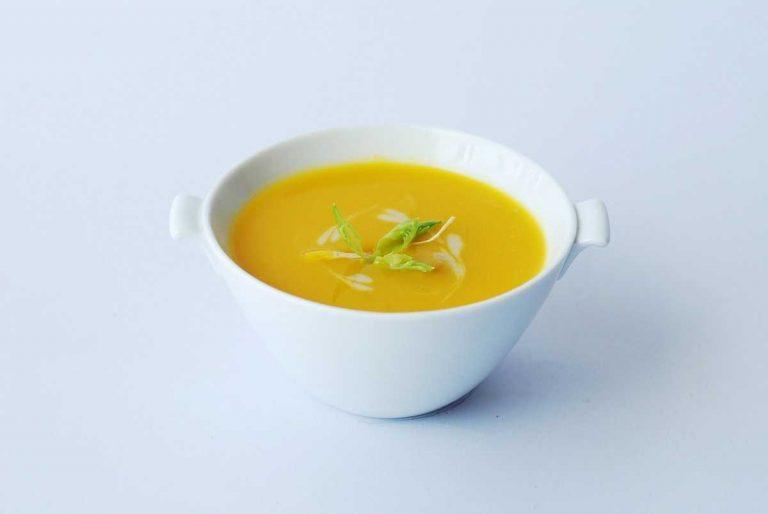 Сырный крем-суп: рецепт от участника ТМПУ, который подойдет вегетарианцам и не только