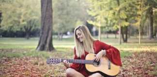 10 українських пісень під гітару