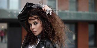 Премьера NK Настя Каменских представила чувственную композицию «Vibe»