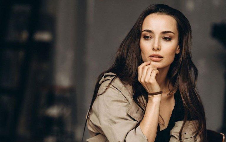 «Женщина должна находить подход к мужчине»: холостячка Ксения Мишина призналась в своих чувствах в популярном шоу