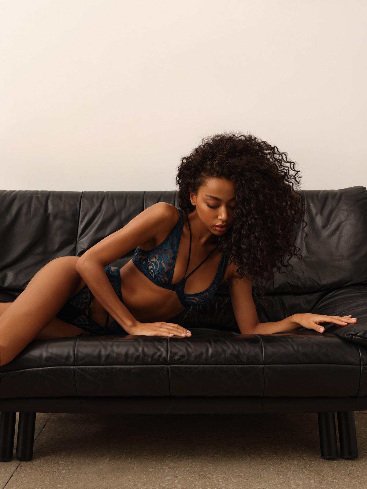Украинский бренд нижнего белья Fox lingerie представил кампейн новой коллекции 2